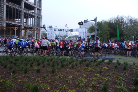 Start of the 2009 Tour de Houston 70 mile ride