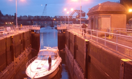 Ballard lock in action